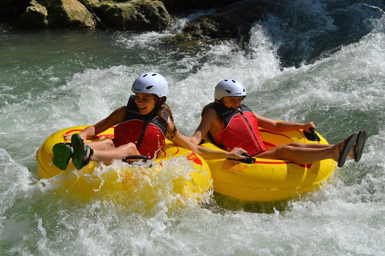 WHITE RIVER TUBING TOUR OCHO RIOS
