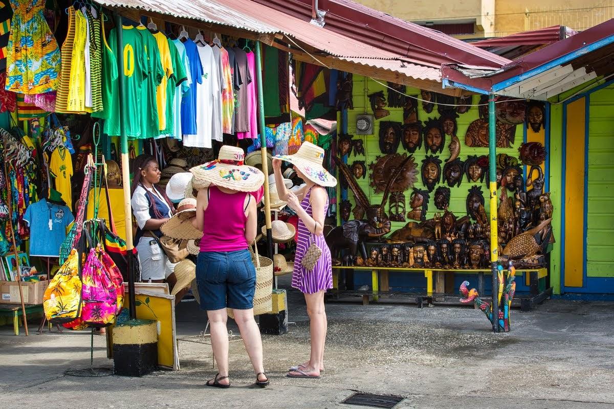 OCHO RIOS HIGHLIGHTS & SHOPPING TOUR